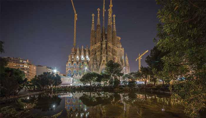 Sagrada Familia – Minunea în Construcție De 100 De Ani